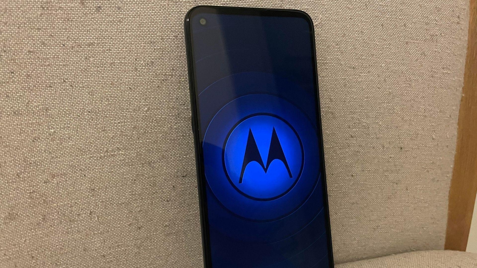 Moto G9 Power é um aparelho para quem curte celular grande (Foto: Gabriel Fricke / Zoom)