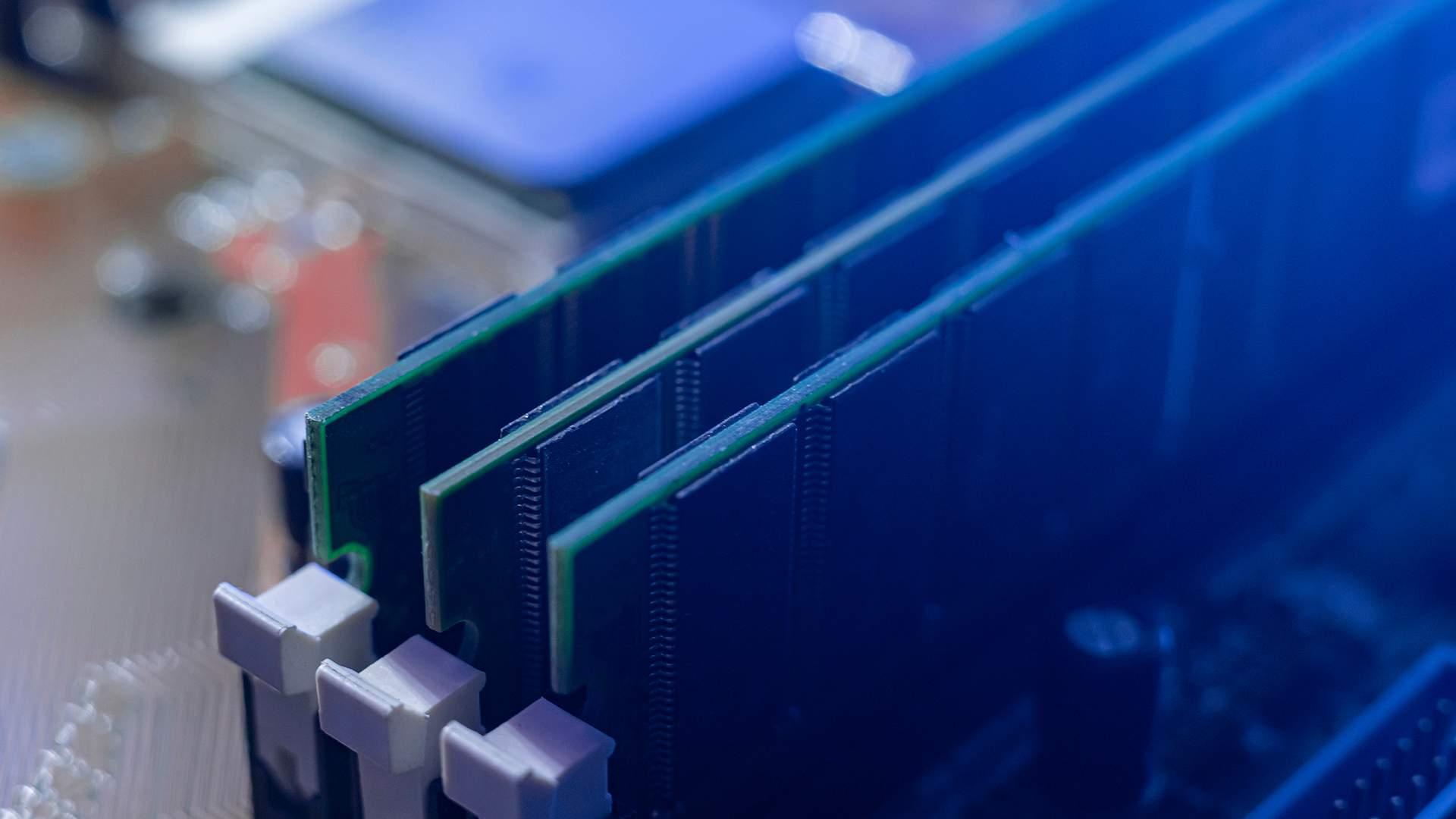 A memória RAM é um componente essencial no trabalho dos cientistas de dados (Fonte: Shutterstock/Mike_shots)