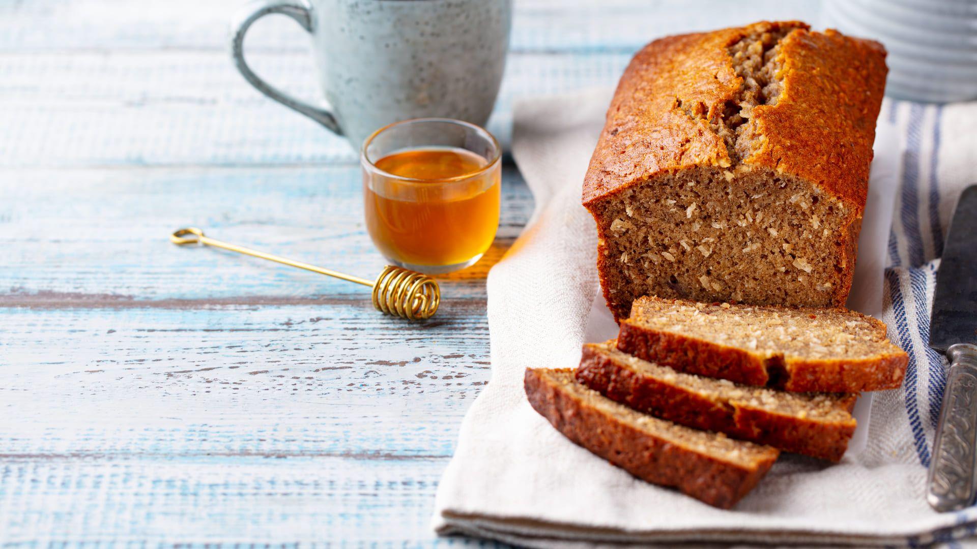 É possível fazer pães saudáveis e rápidos no micro-ondas (Imagem: Reprodução/Shutterstock)