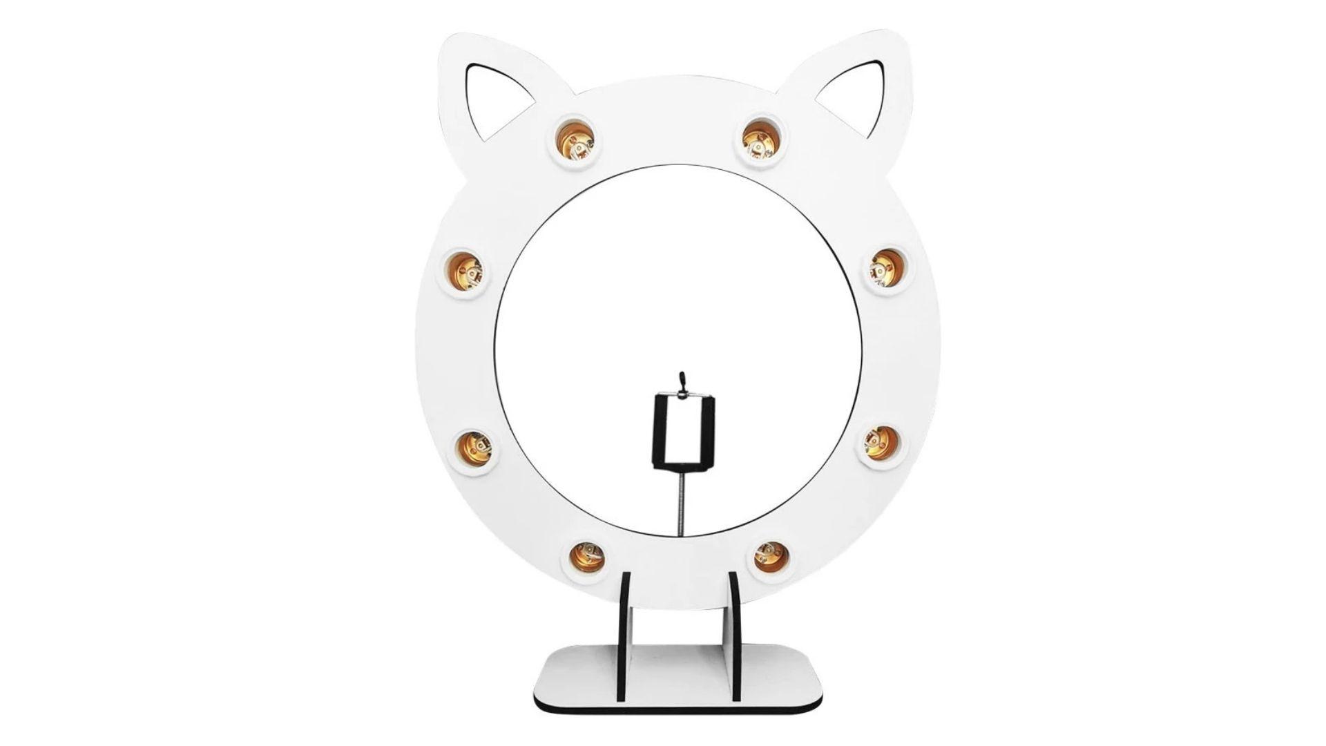 Ring light de mesa tem bocais para colocar lâmpadas (Foto: MongArte Laser/Casa Ring Light)