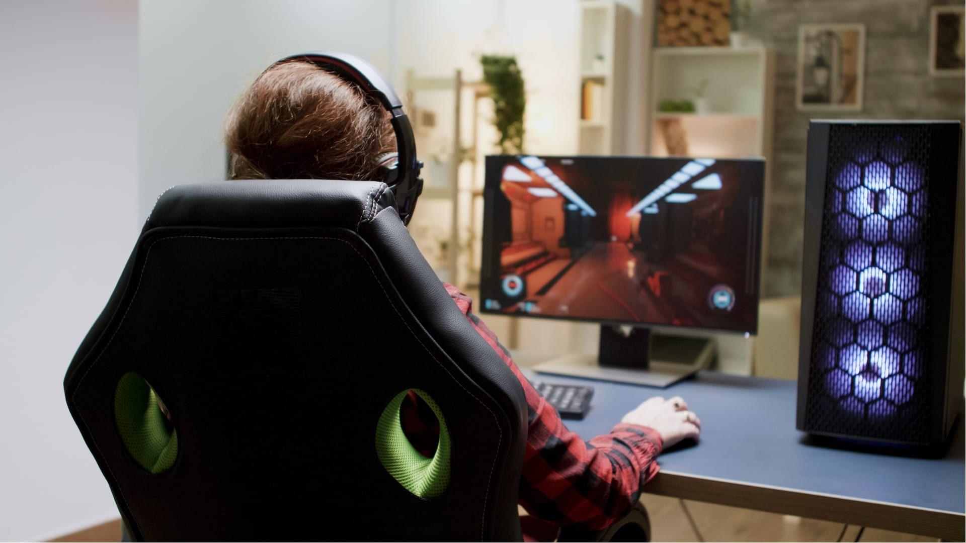 A escolha da melhor cadeira de gamer deve atender as suas necessidades e até mesmo perfil de uso (Fonte: Shutterstock)
