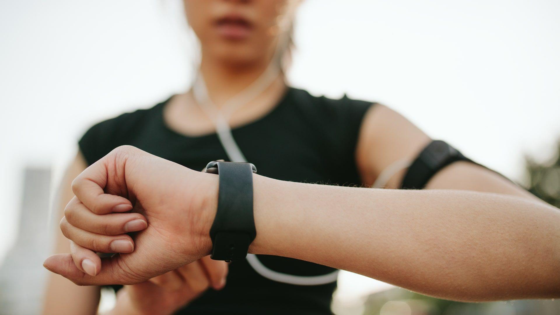 Smartwatches são ótimos aliados para acompanhamento de exercício físico (Foto: Shutterstock)