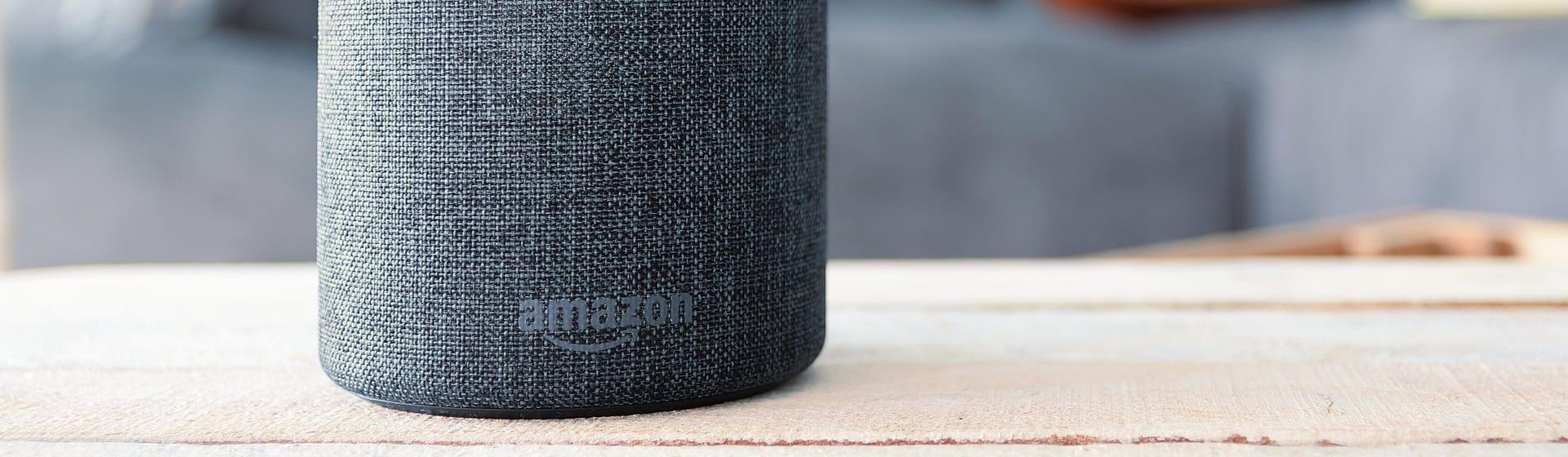 Echo Studio vs Echo Dot 4: quais as diferenças entre esses smart speakers da Amazon?