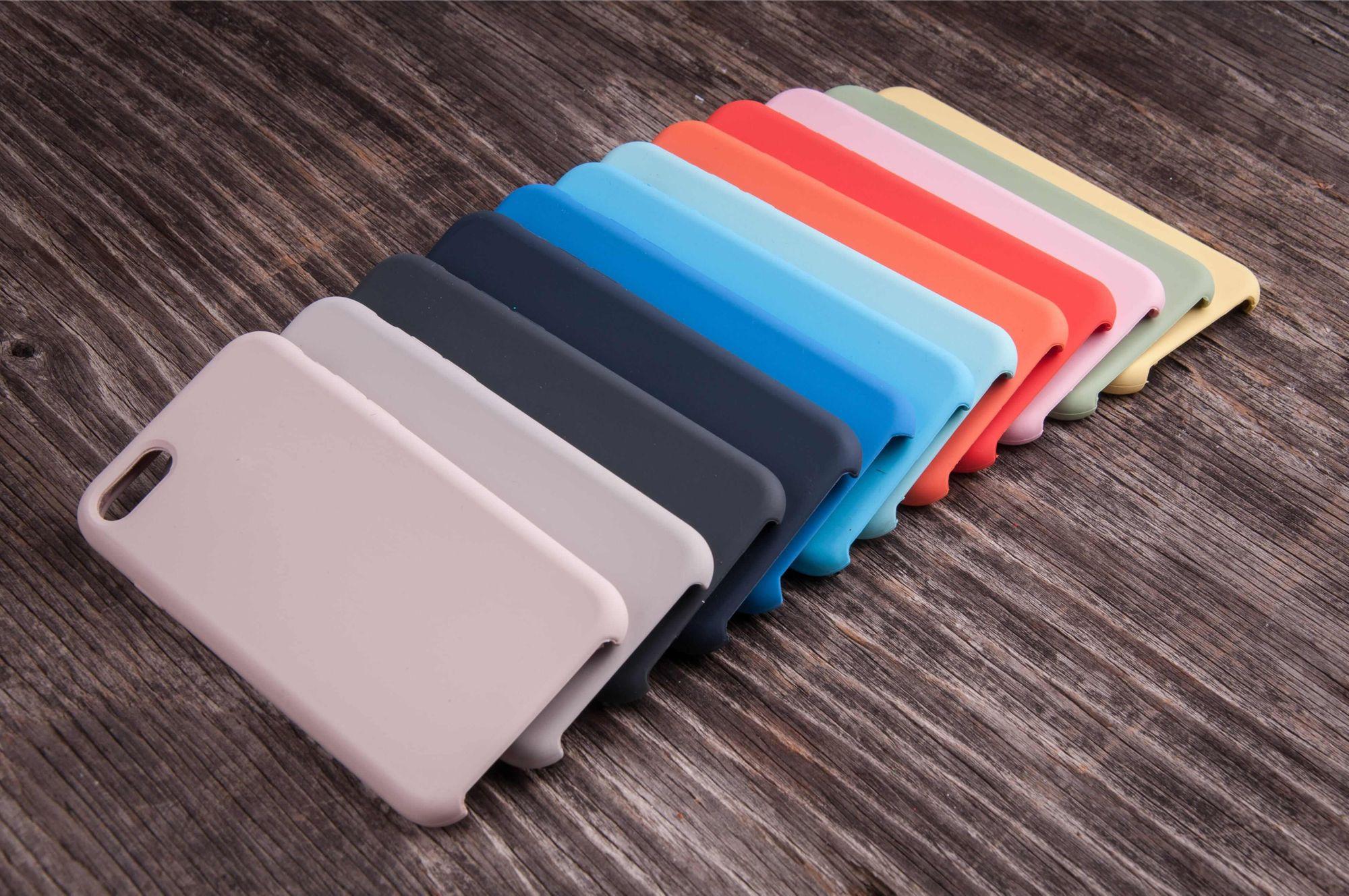 Capinha de celular pode tanto personalizar quanto ter foco em proteção (Foto: Shutterstock)