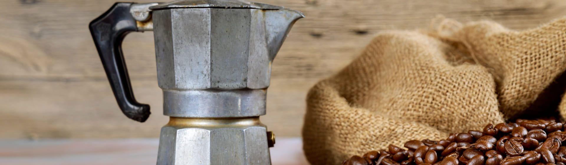 Como fazer café na cafeteira italiana?