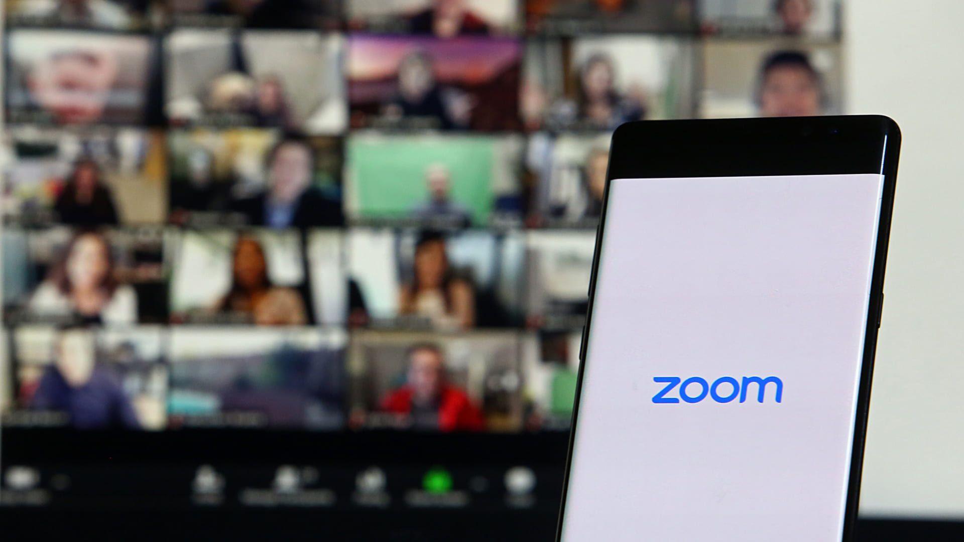O Zoom Meetings se tornou muito popular durante a pandemia (Foto: Reprodução/Shutterstock)