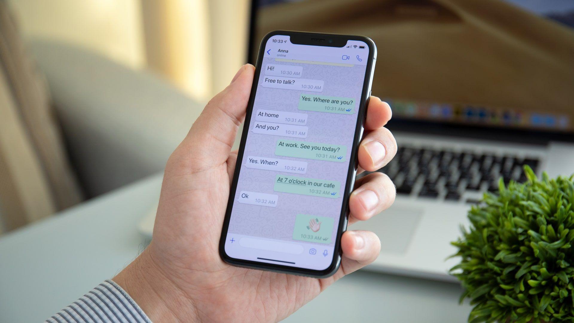 Como restaurar conversas do WhatsApp? É possível recuperar mensagens apagadas até 24 horas depois (Foto: Shutterstock)