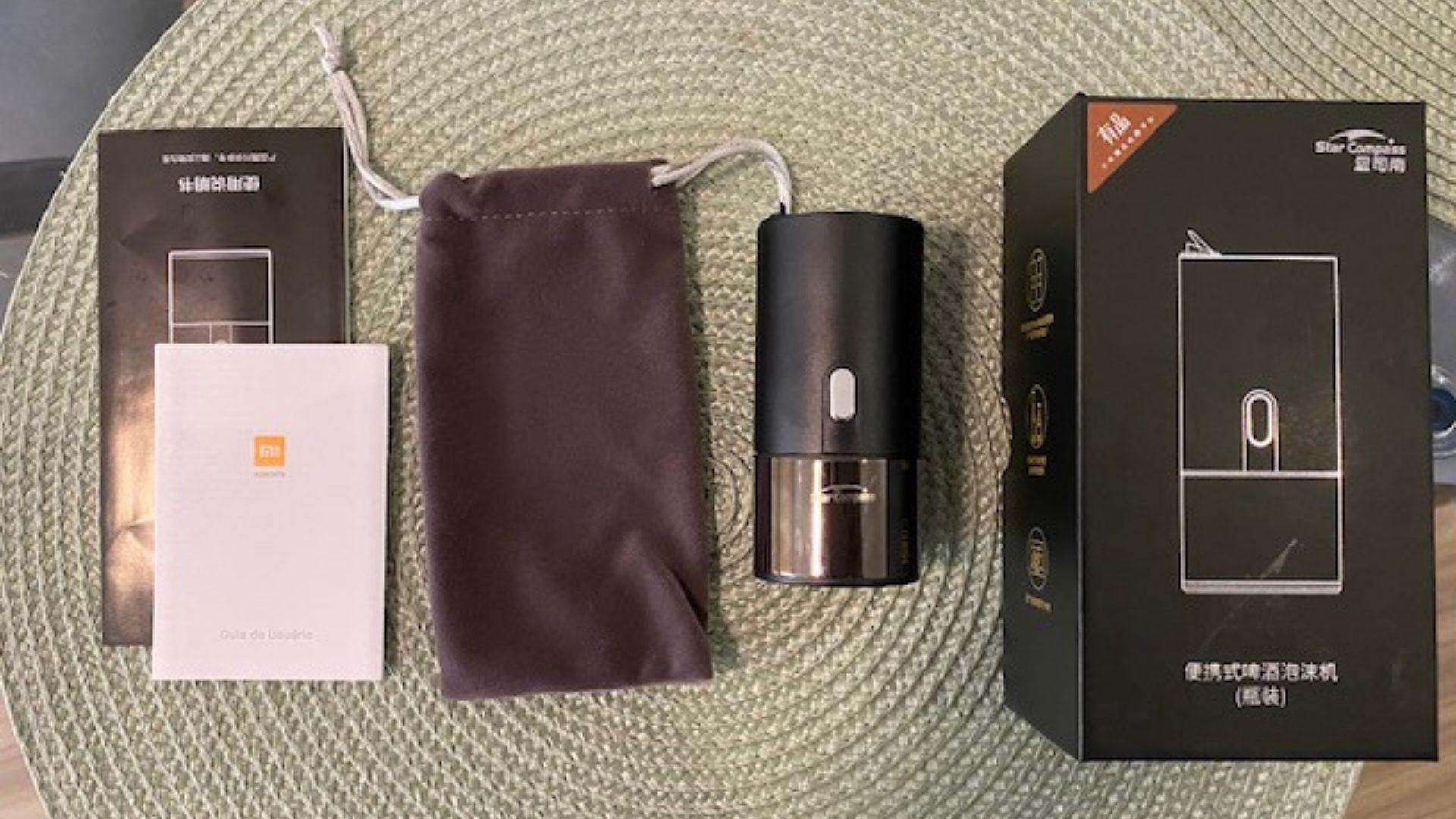 Além da chopeira em si, dentro da caixa vem uma bolsinha de veludo muito elegante (Foto: Arquivo Pessoal / Leonor Militão)