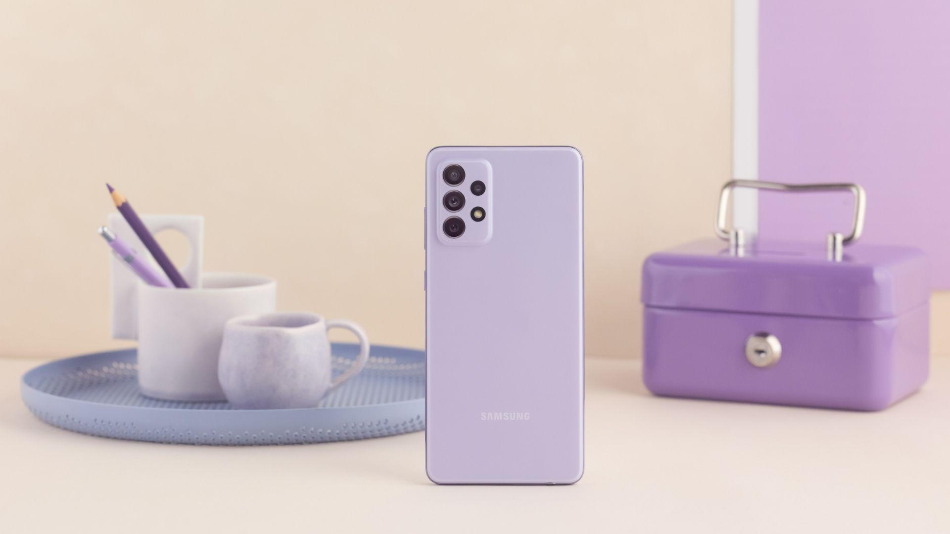 Galaxy A52 é um celular Samsung à prova d'água (Foto: Divulgação/Samsung)