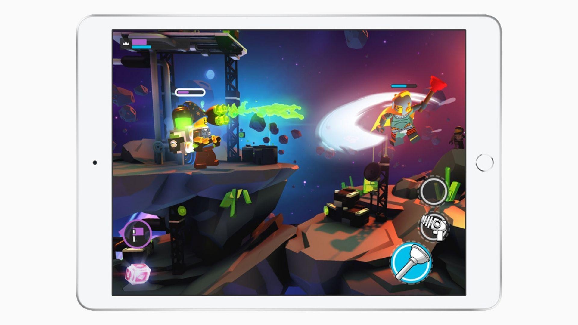 iPad 8ª Geração roda alguns jogos muito bem (Foto: Divulgação / Apple)