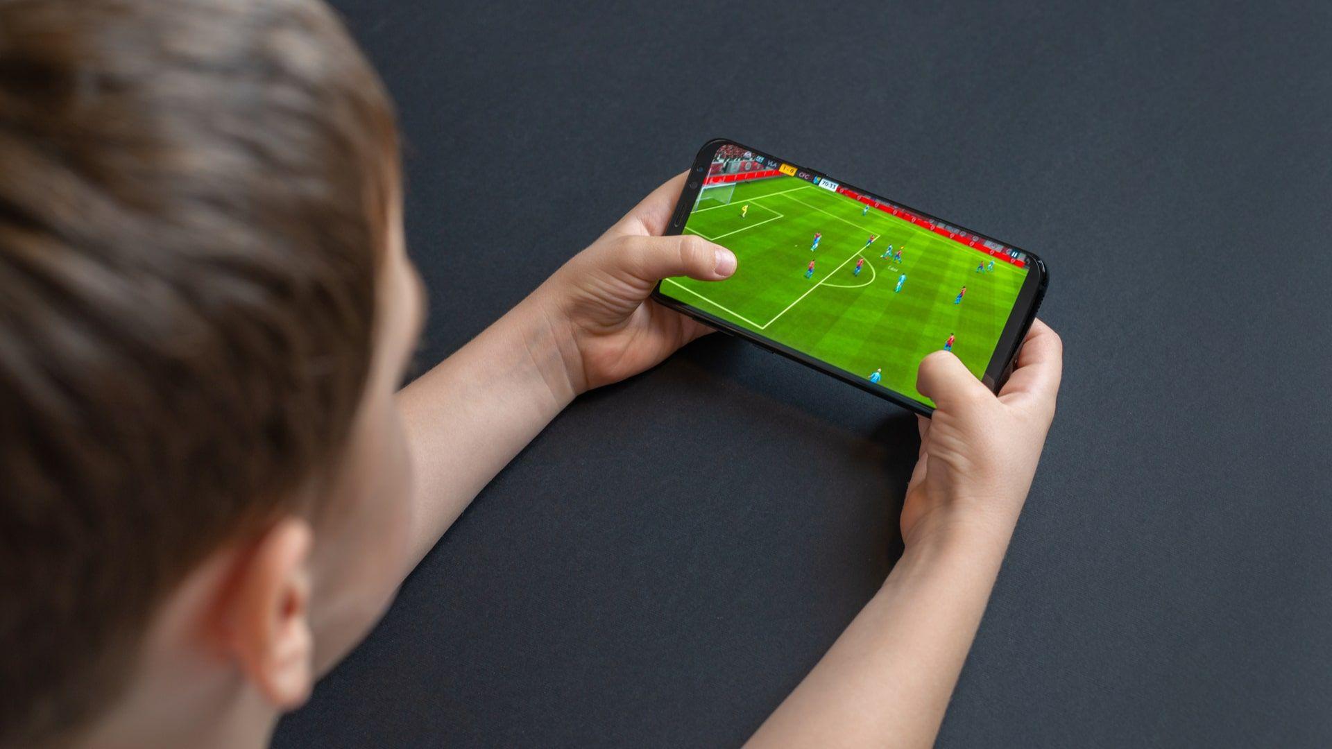 Jogos online para celular: FIFA tem versão mobile
