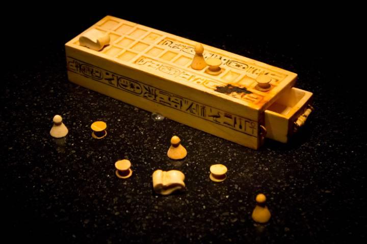 Senet era jogado pelos antigos faraós e pela nobreza egípcia. Existem versões do jogo de tabuleiro ancestral até hoje (Fonte: Flickr/Dmitry Denisenkov)