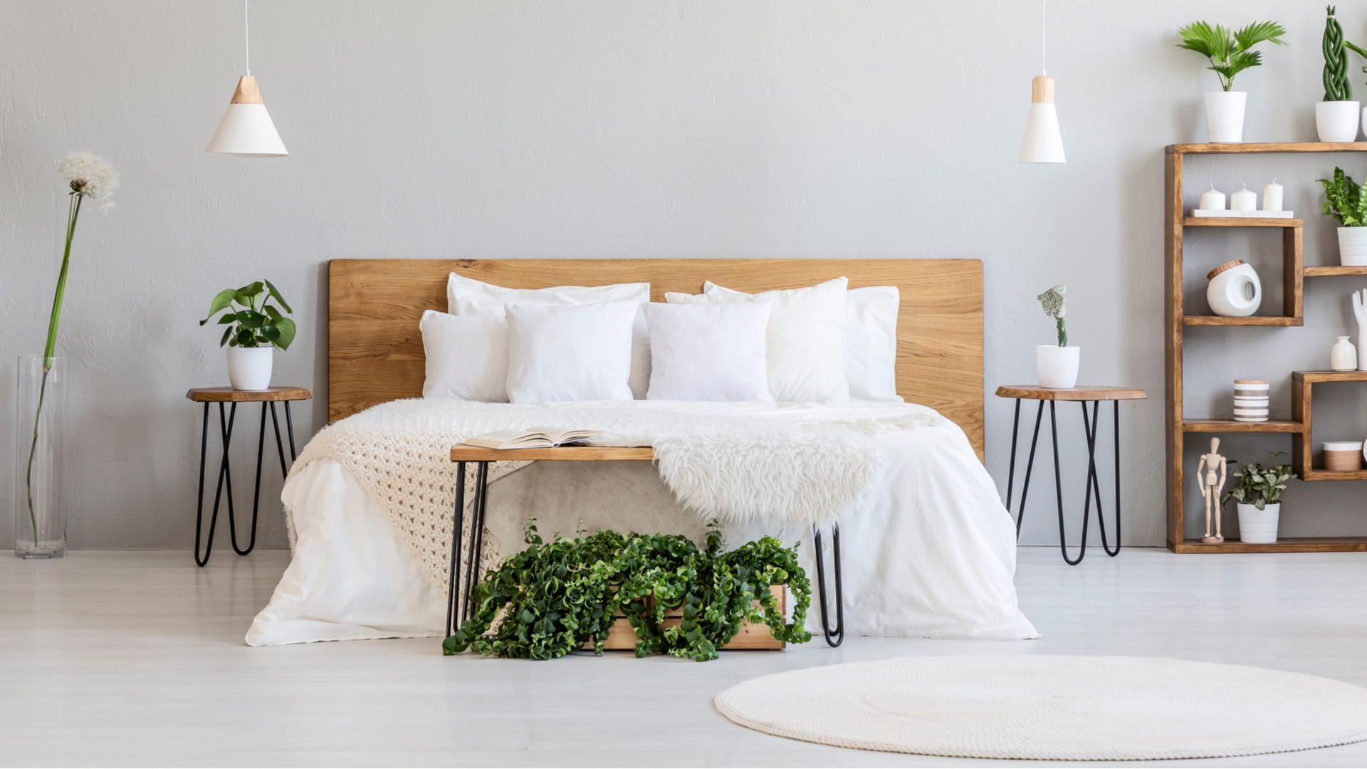 O primeiro passo é medir o espaço disponível para a cama no quarto. (Imagem: Reprodução/Shutterstock)