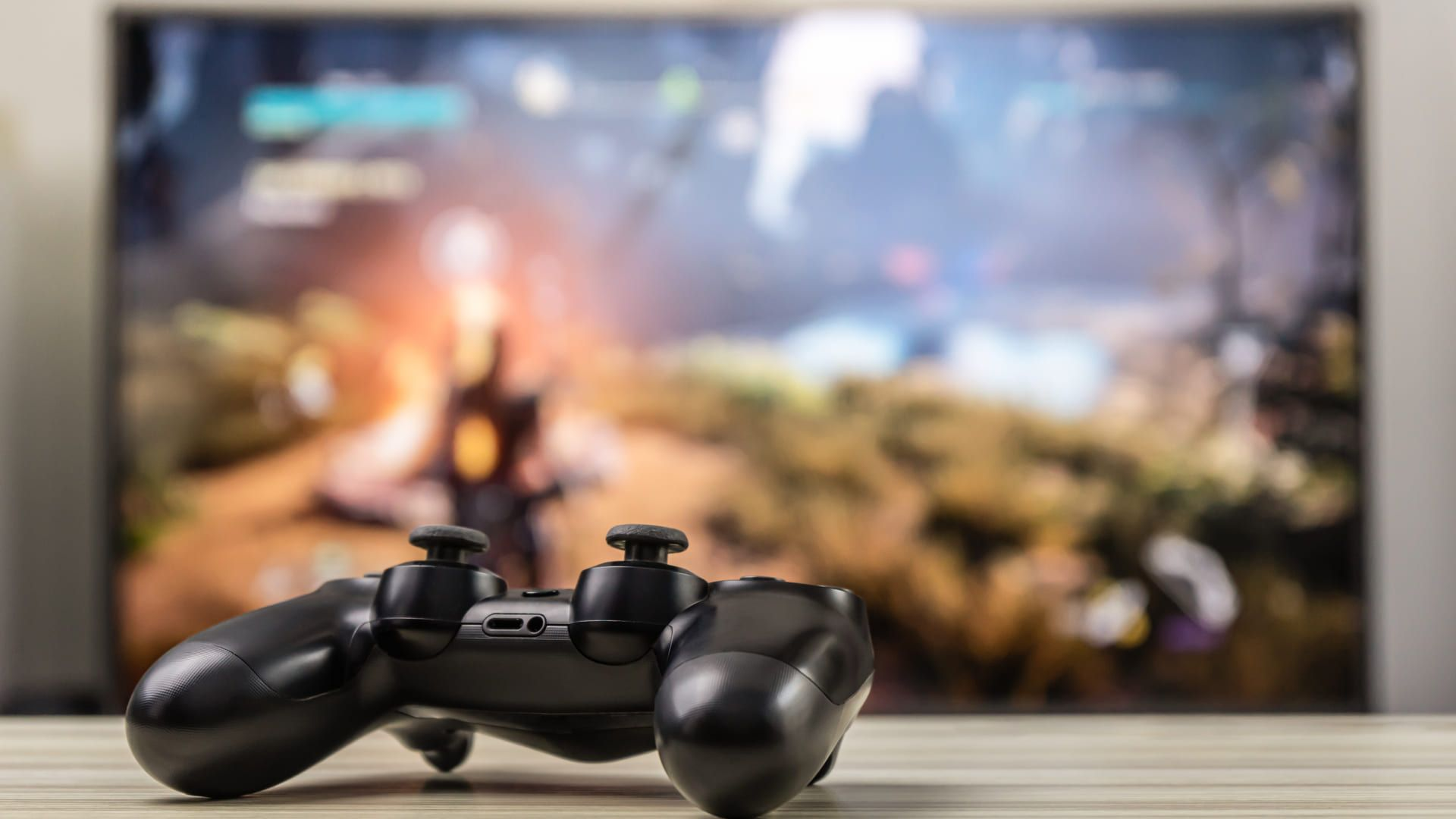 Saiba o que é a Cube TV e como assistir os streamings na sua TV! (Imagem: Reprodução/Shutterstock)