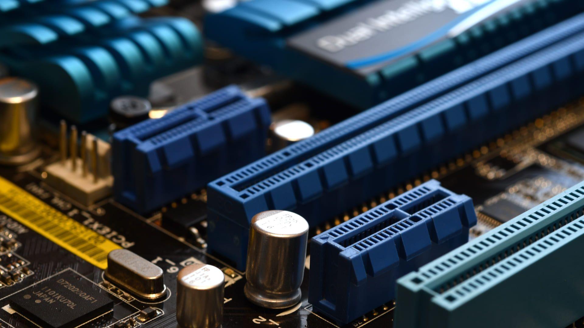 O PCI Express está presente em diversos periféricos de computador (Foto: Reprodução/Shutterstock)