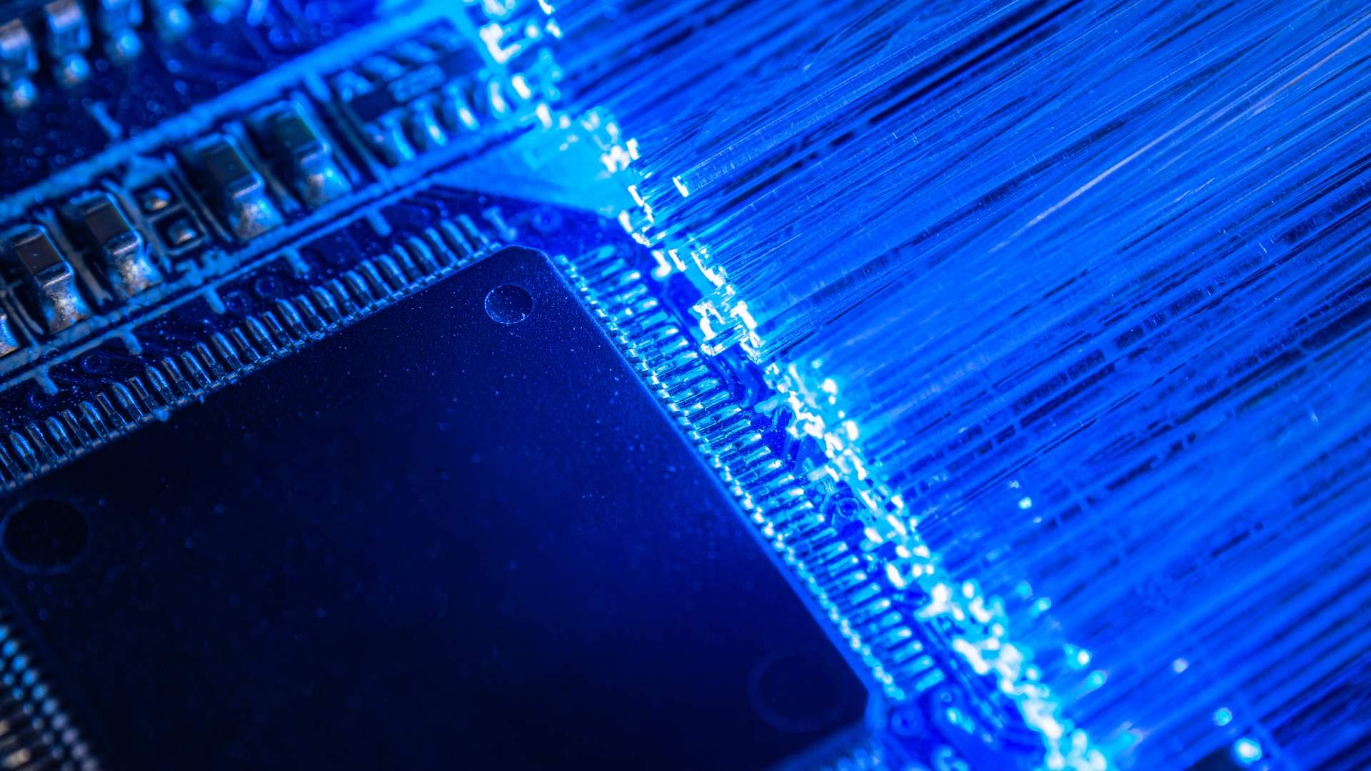O clock de memória RAM ajuda a tornar seu computador mais ágil (Fonte: Shutterstock/AlvaroMP)