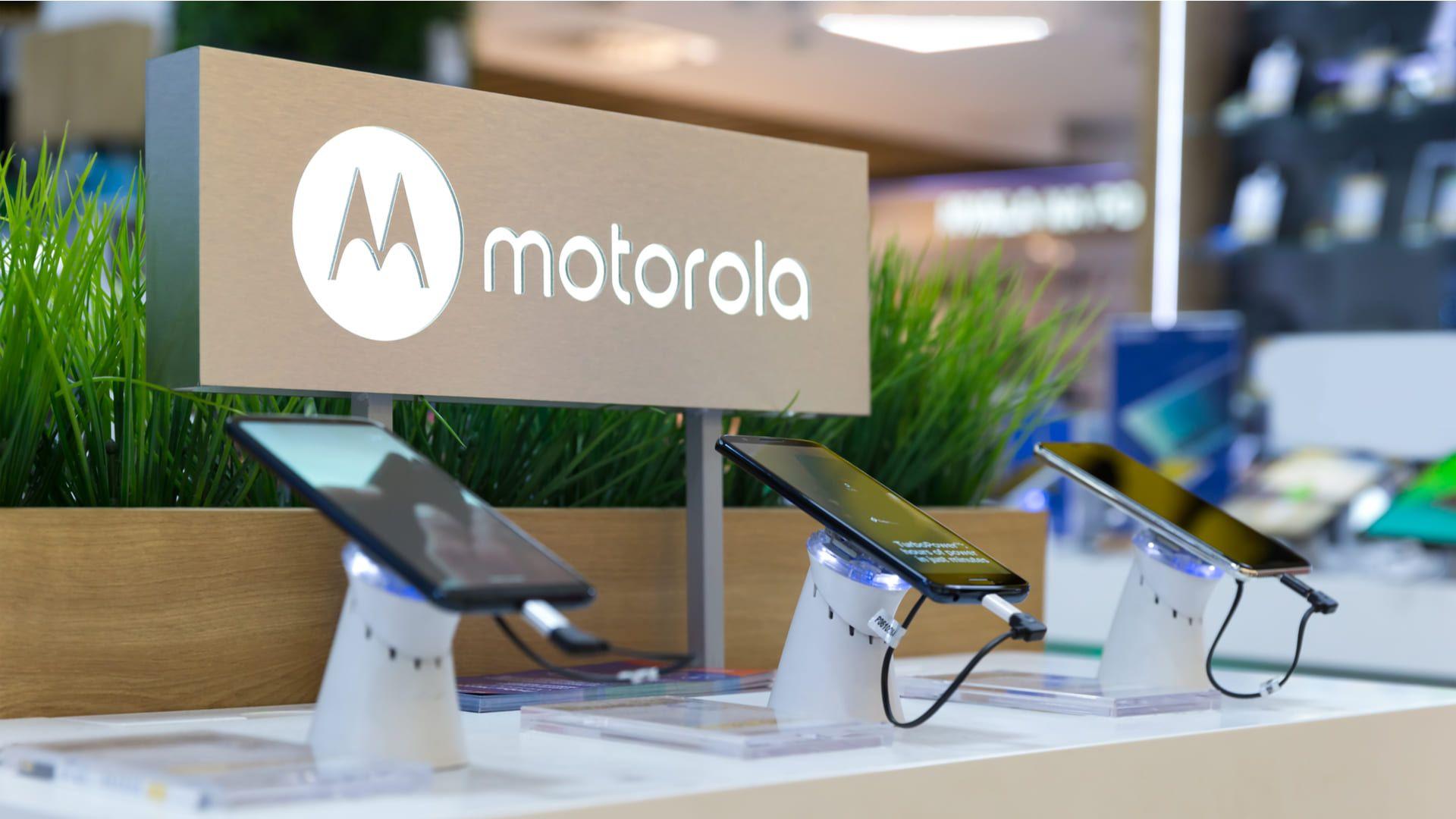 Qual a melhor marca de celular? Para muitos brasileiros, a Motorola é queridinha (Foto: N.Z.Photography / Shutterstock.com)