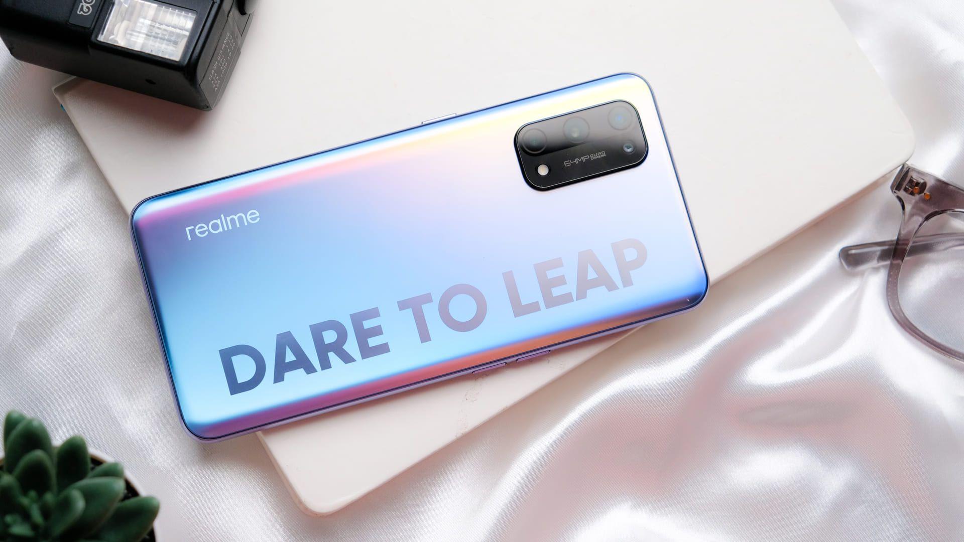 Qual melhor celular? O tempo dirá se a Realme vai conquistar o coração dos brasileiros (Framesira / Shutterstock.com)