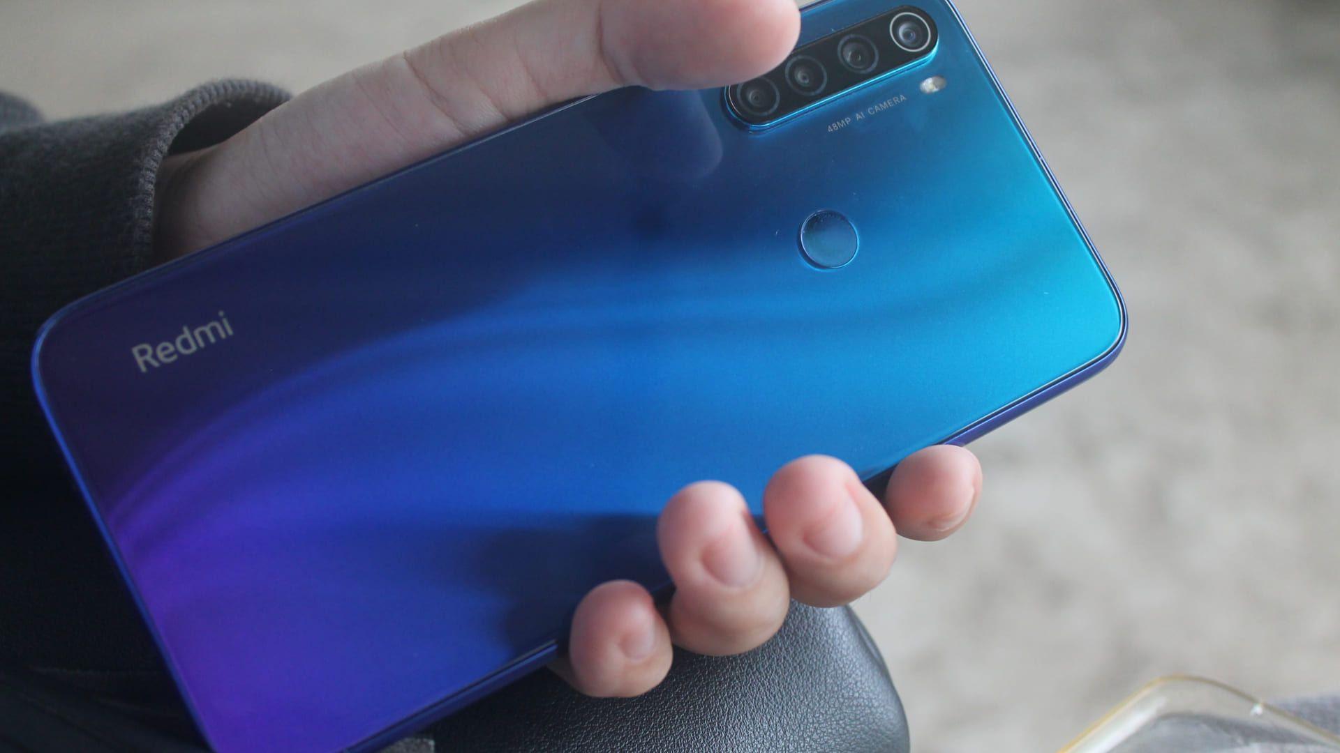 Xiaomi Redmi Note 8 tem design bem elegante. (Foto: Reprodução/Shutterstock)
