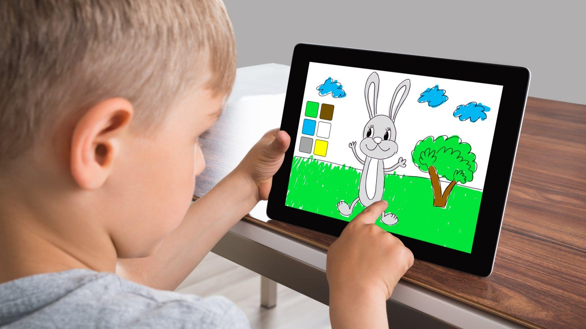 Tablet infantil costuma oferecer recursos educativos e de controle parental (Foto: Shutterstock)
