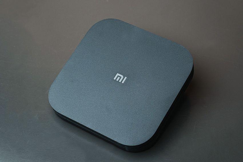 A Mi Box S é compacta, minimalista e tem menos de 2cm de altura (Foto: Arquivo pessoal/Gabrielle Nunes)