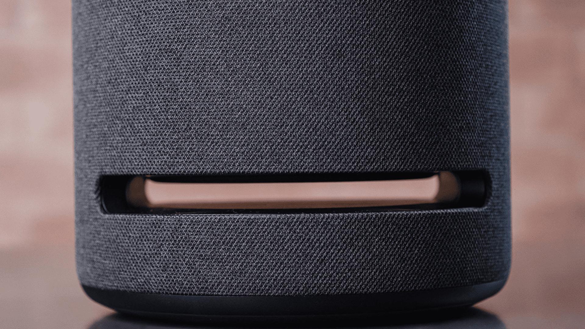 A Echo Studio é a caixinha mais potente da Amazon. (Foto: Zoom)