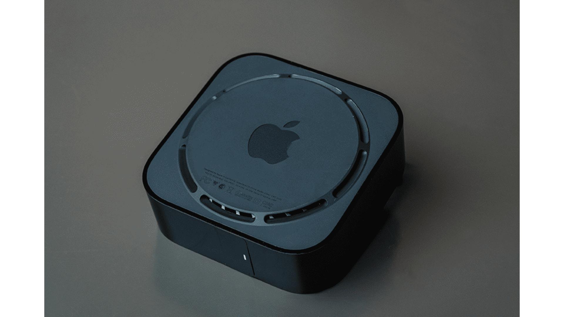 Parte debaixo da Apple TV 4K. (Foto: Zoom)