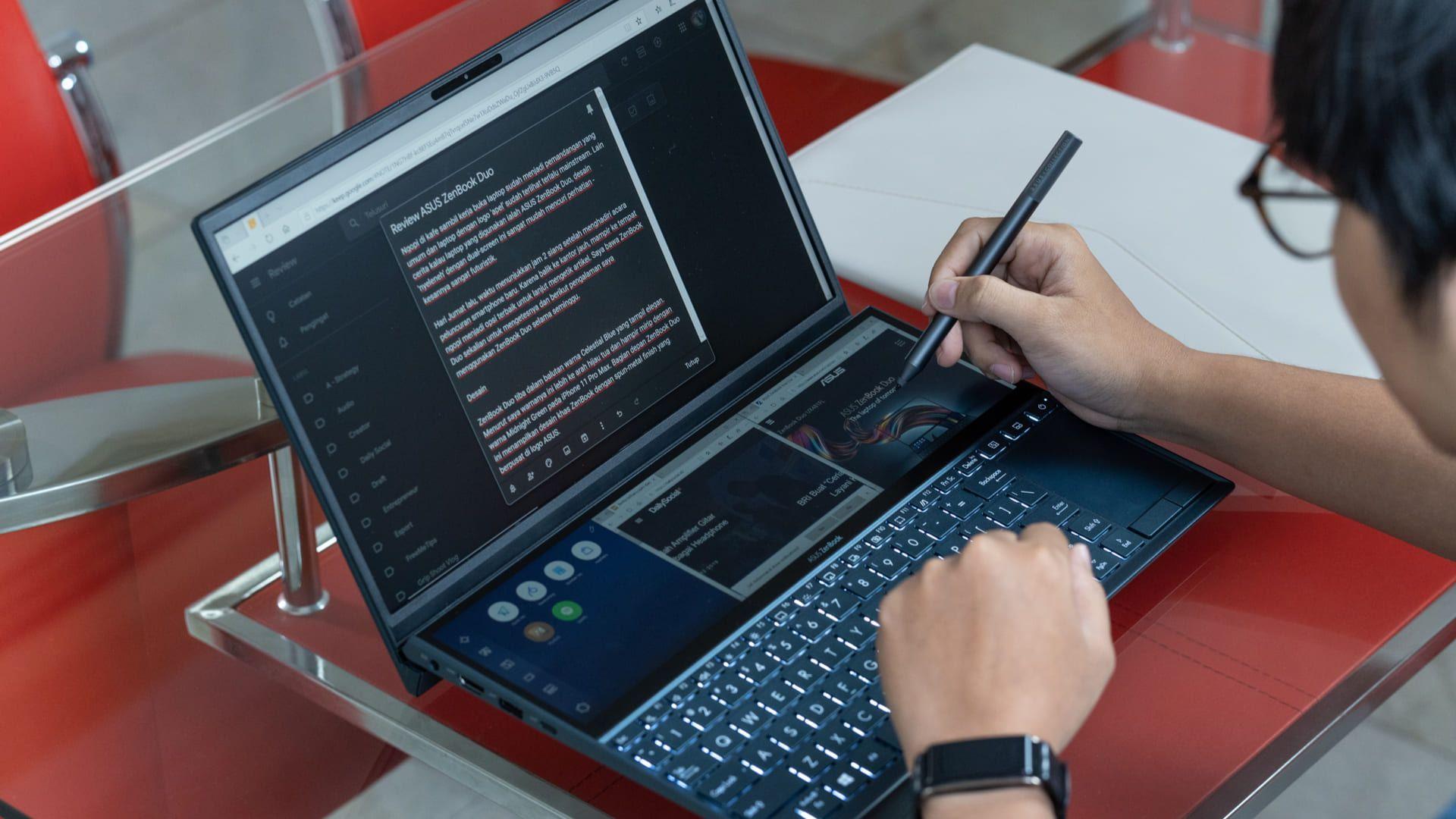 O Zenbook Pro Duo é um notebook i9 da Asus com duas telas. (Foto: Shutterstock)