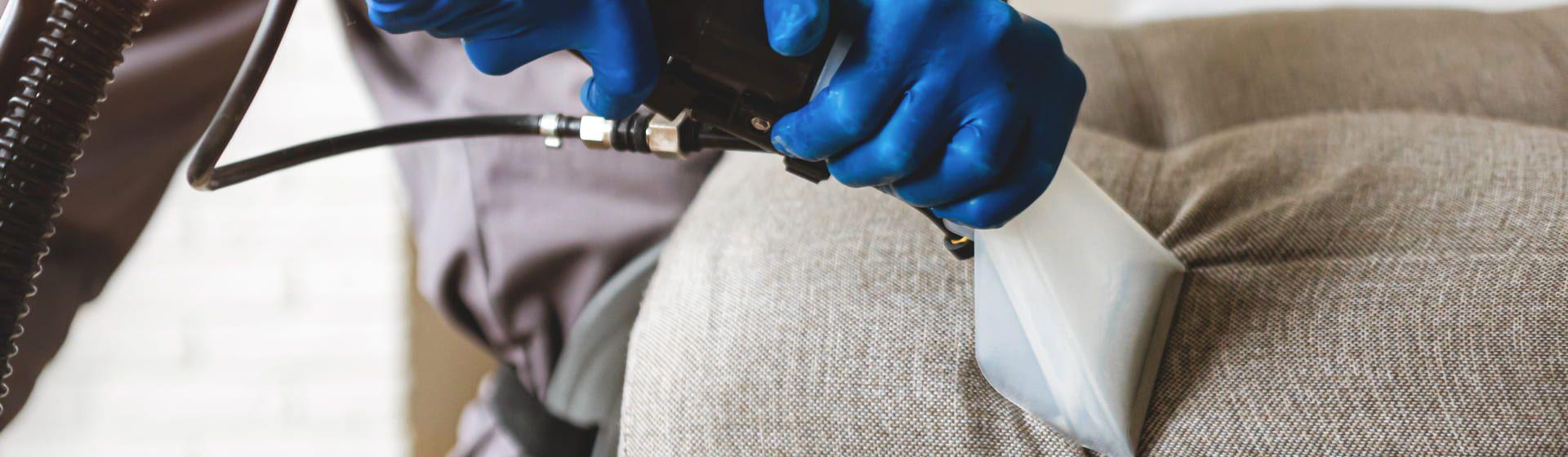 Como limpar sofá: 7 opções de máquina extratora