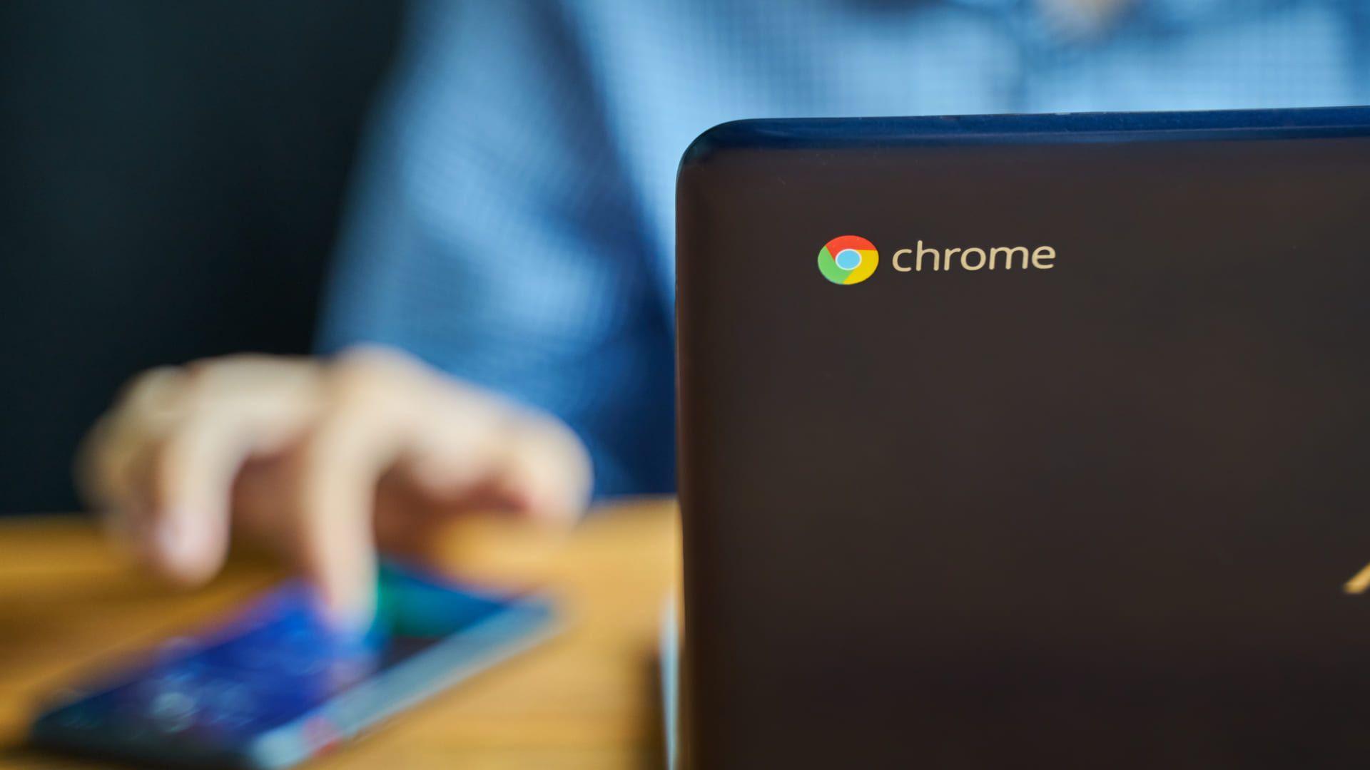 O Chromebook é um dispositivo ideal para quem prioriza mobilidade e bateria de maior performance. (Fonte: Shutterstock)