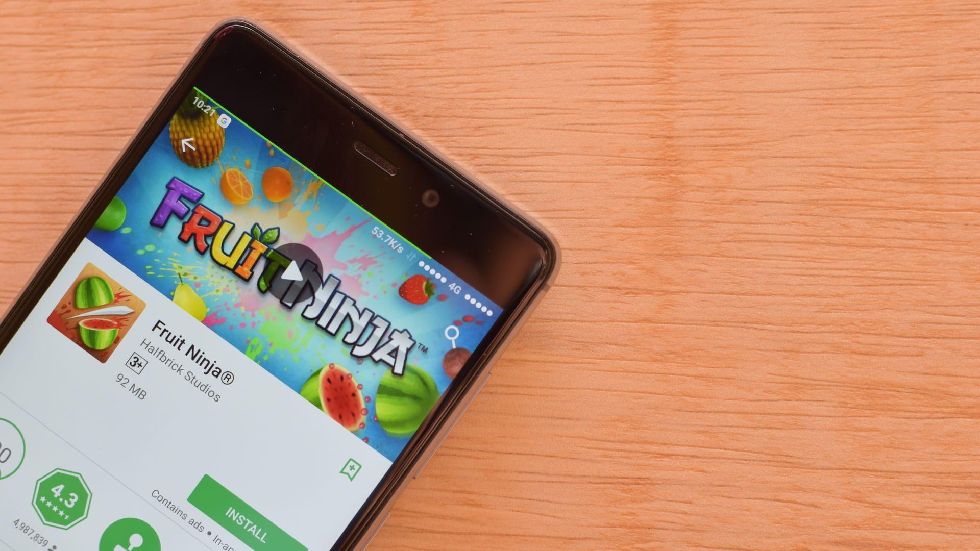 Fruit Ninja é um dos jogos online grátis mais populares dos últimos anos (Fonte: Shutterstock)