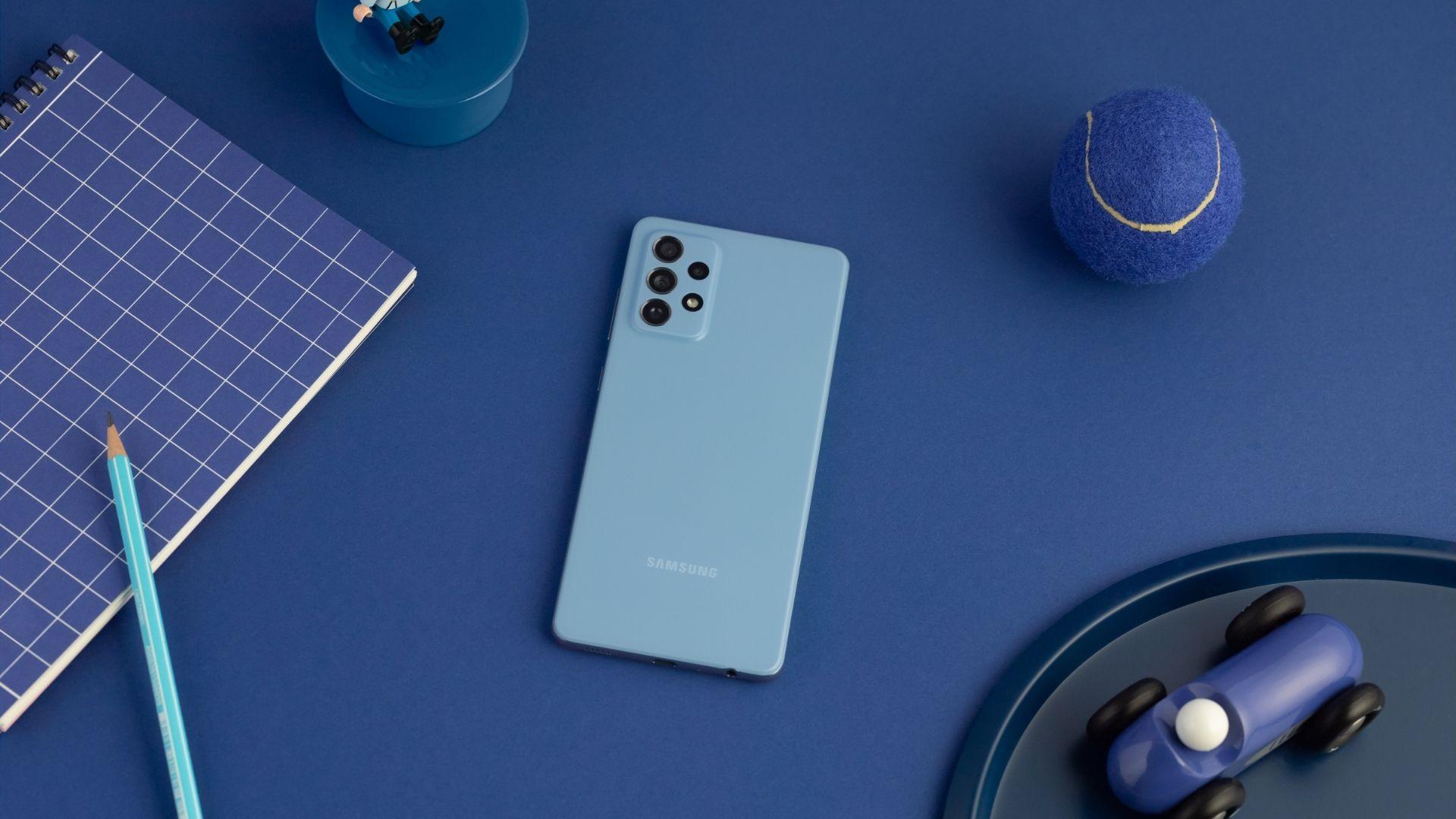 Melhores celulares 2021: Galaxy A72 tem conjunto de câmera quádrupla (Foto: Divulgação/Samsung)