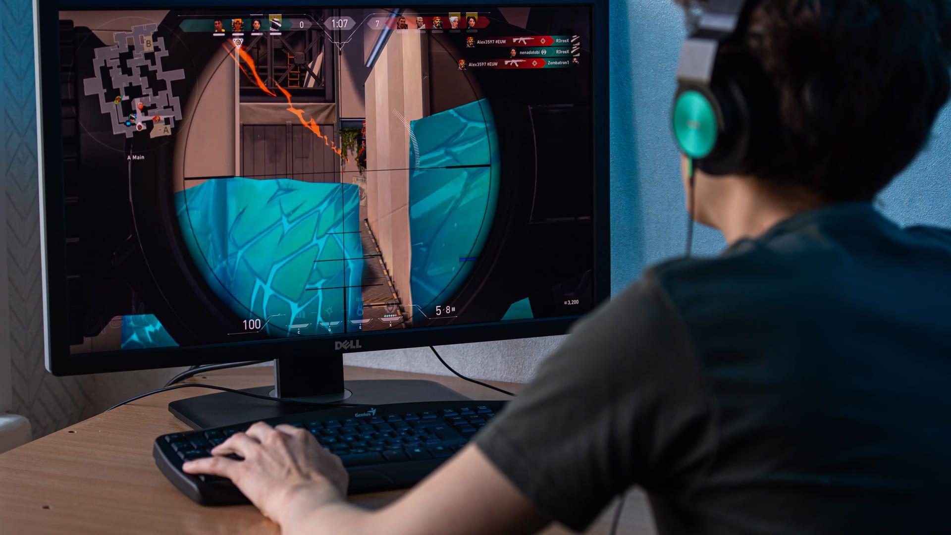 Valorant é o jogo de tiro para PC fraco da Riot Games. (Foto: shutterstock)