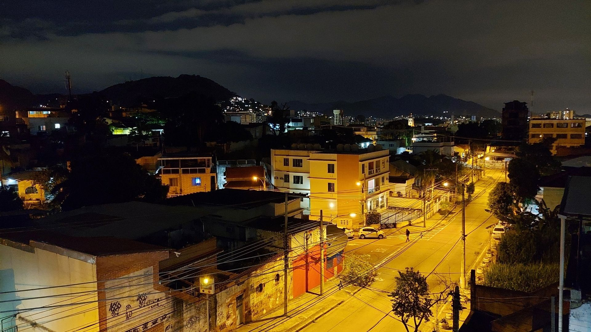 Foto noturna feita com o M51 (Foto: Aline Batista/Zoom)