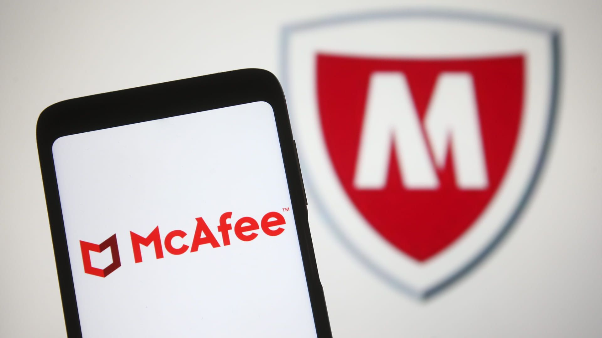 O McAfee dispõe de recursos que mantém o desempenho de seus dispositivos sem abrir mão da segurança (Fonte: Shutterstock)