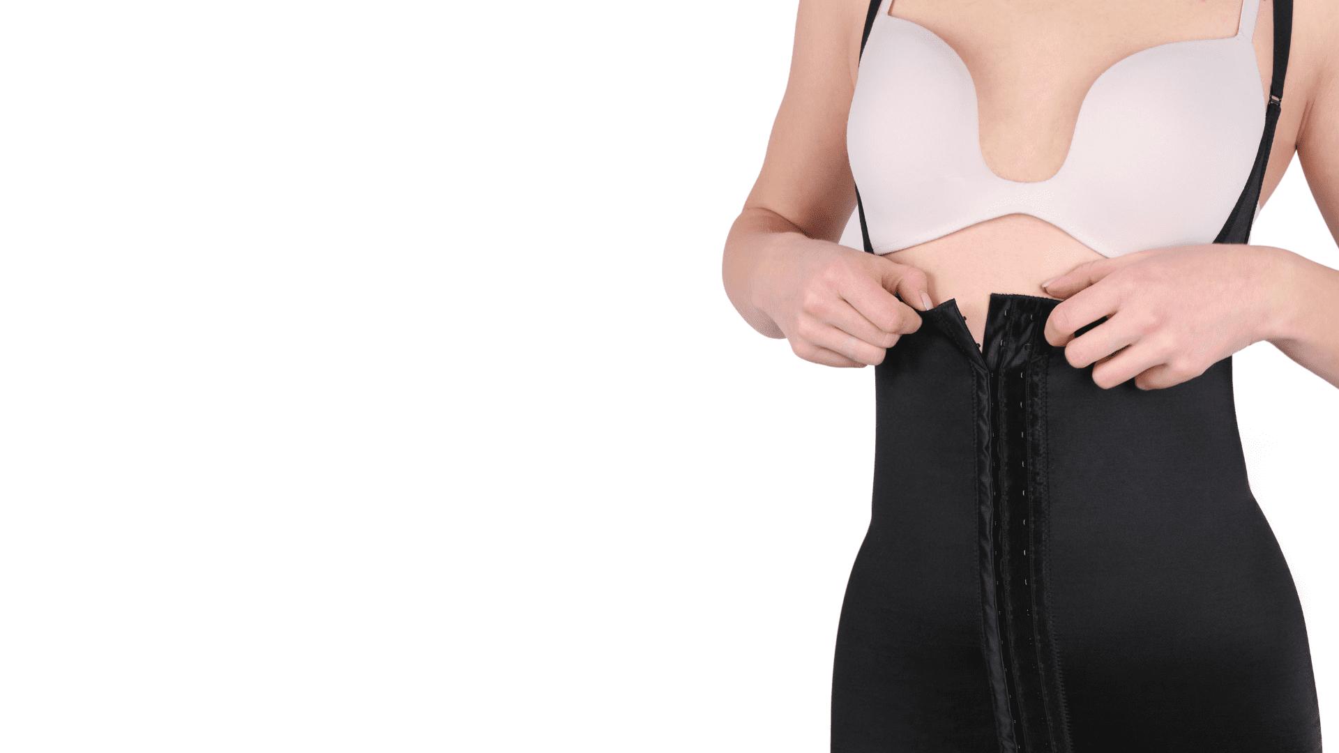 A cinta pós-parto pode ser uma grande aliada da mulher (Imagem: Reprodução/Shutterstock)
