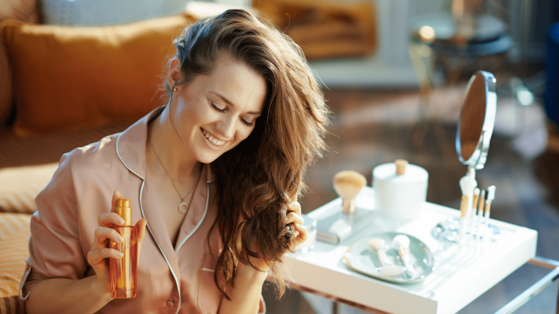 Confira algumas dicas de cuidados com o cabelo (Imagem: Reprodução/Shutterstock)