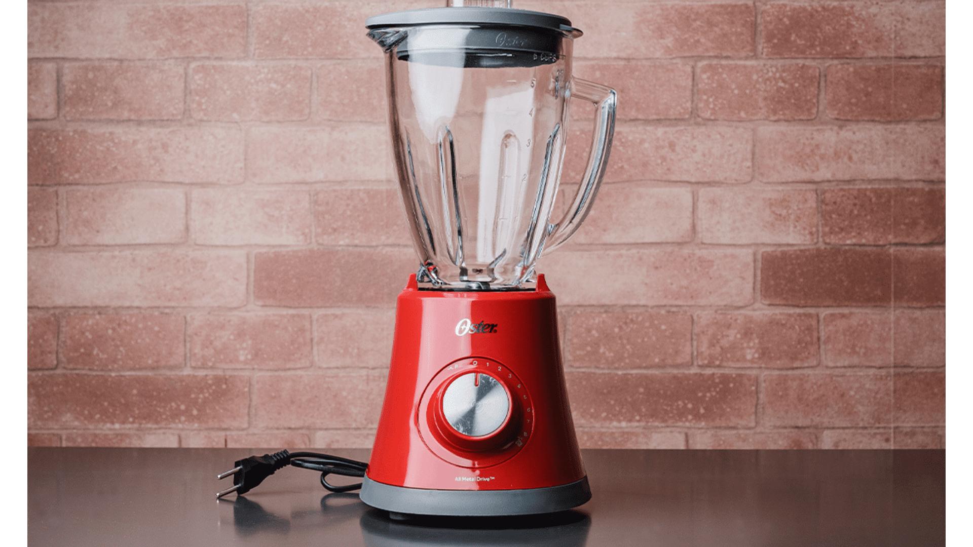 A jarra de vidro atribui um visual sofisticado ao liquidificador da Oster (Foto: Zoom)