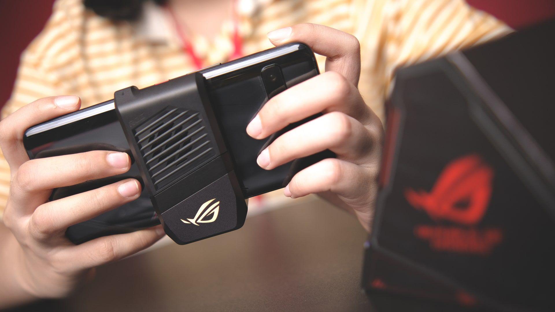 Melhores celulares: ROG Phone 3 é um smartphone gamer poderoso (Foto: Shutterstock)