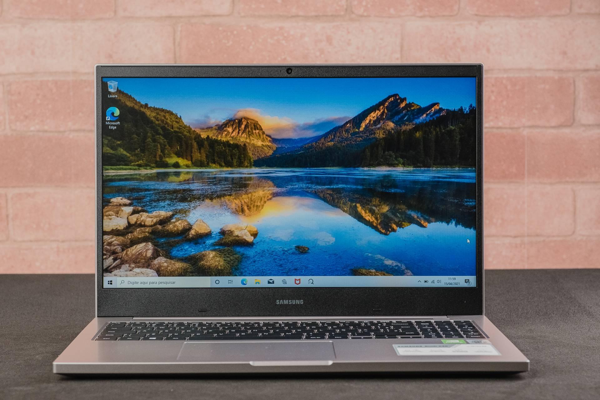 O Samsung Book X40 é uma boa opção para quem quer um notebook com placa gráfica offboard (Foto: Zoom)