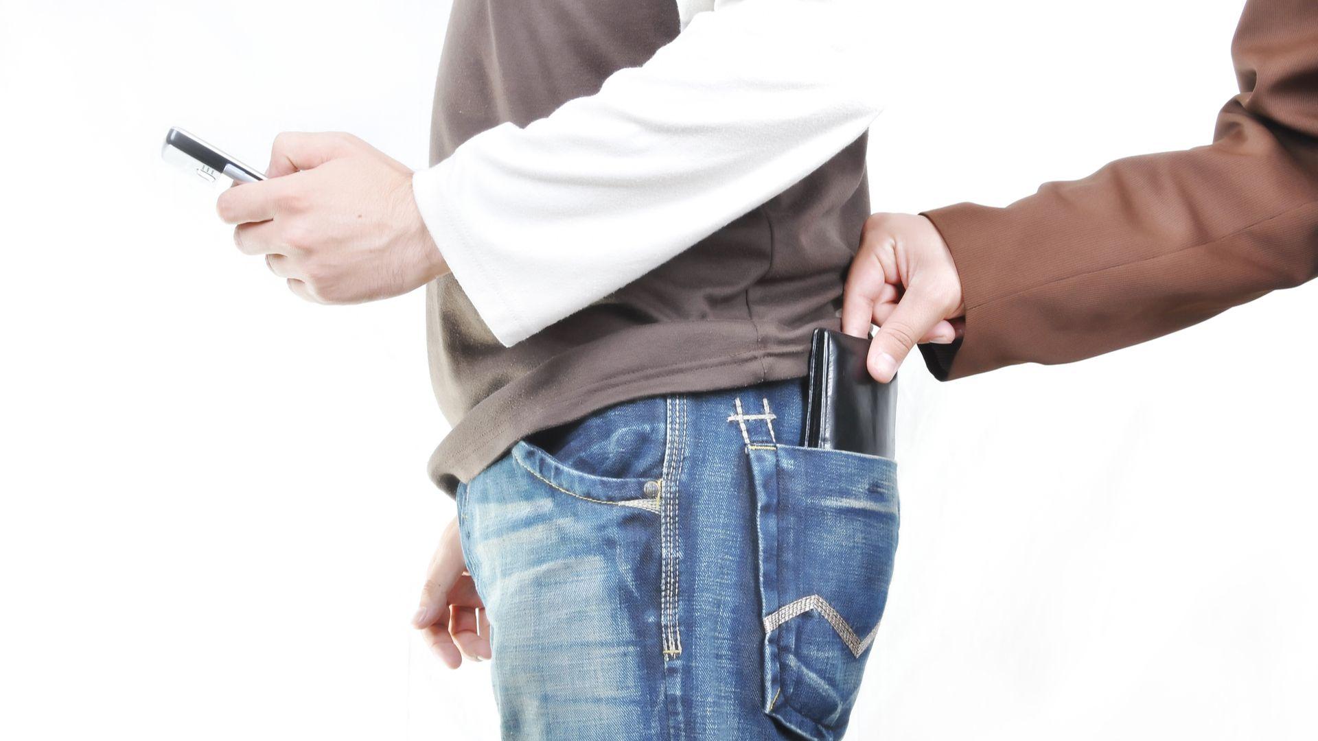 Confira as dicas para contratar um bom seguro para celular (Foto: Shutterstock)