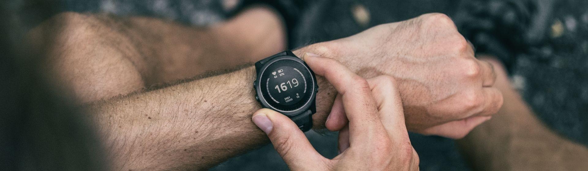 Smartwatches mais vendidos de abril de 2021: Apple Watch 3 na ponta