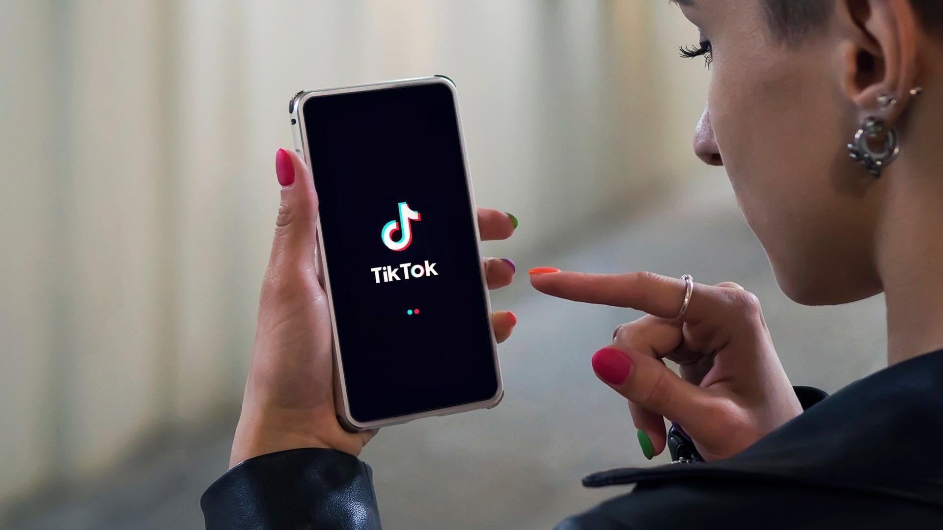 TikTok só pode ser usado por maiores de 13 anos (Foto: Shutterstock)