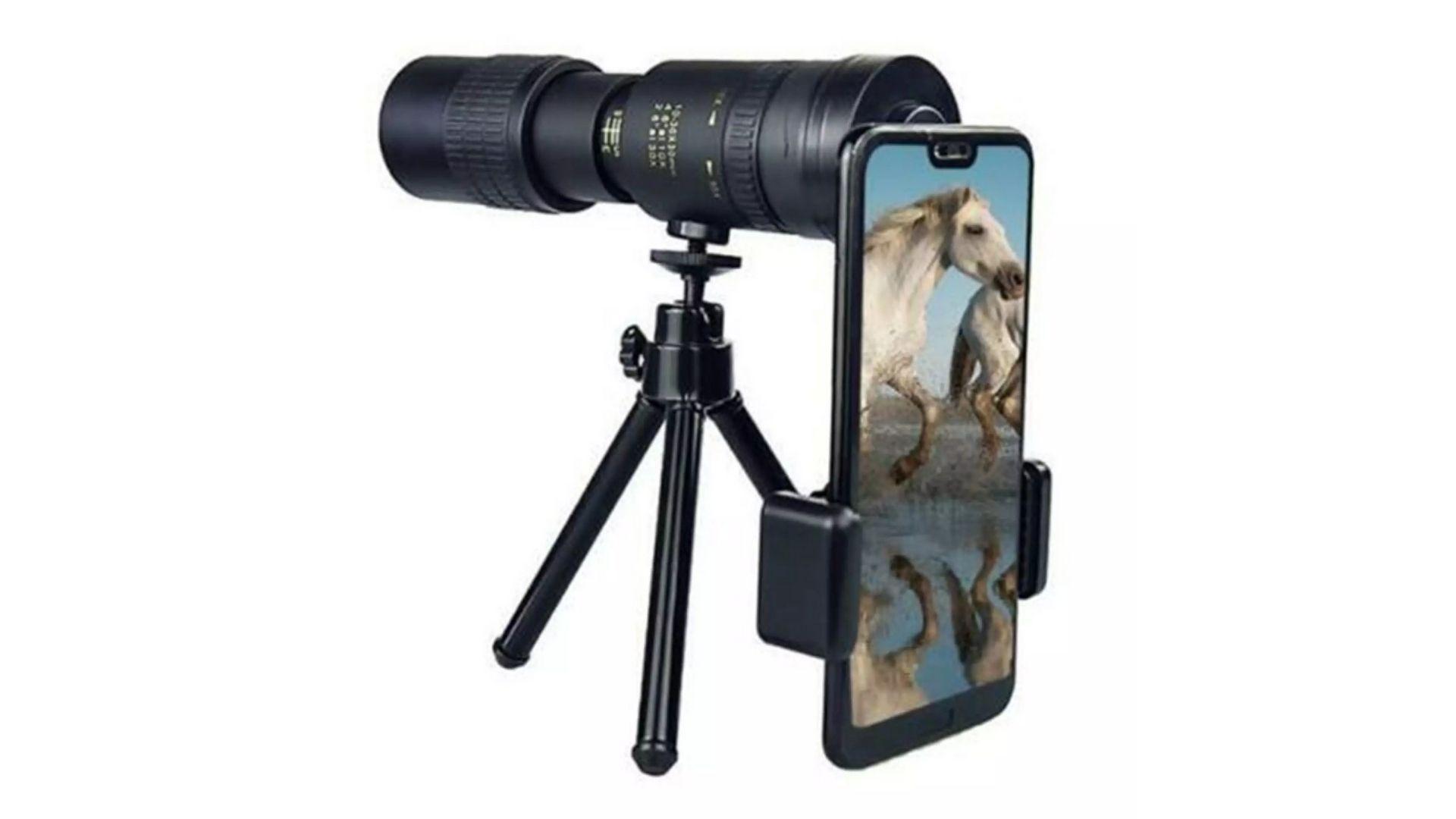 Tripé para celular com telescópio permite acoplar uma lente ao smartphone (Foto: Divulgação)