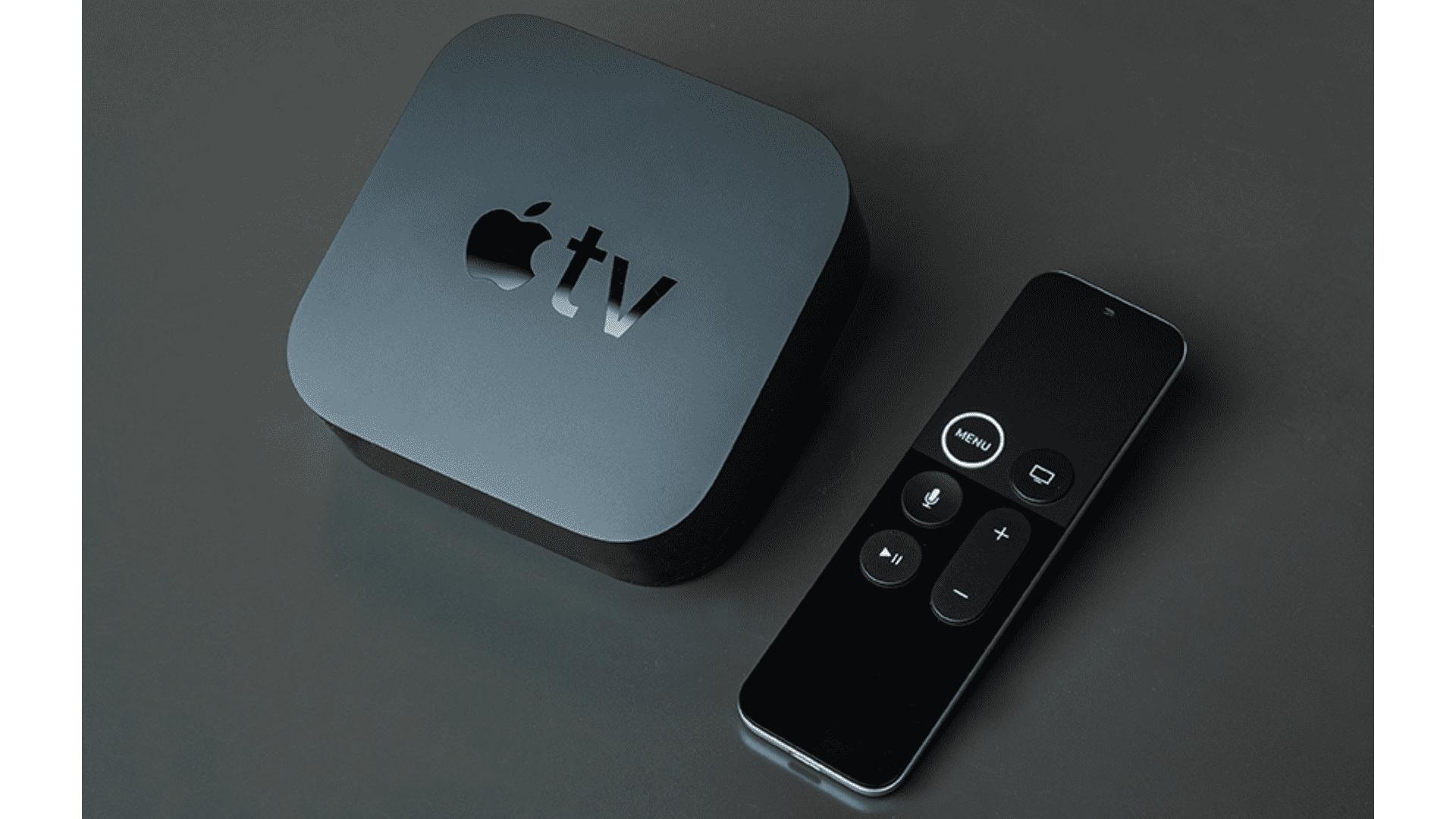 O controle remoto da Apple TV tem apenas 6 botões e conta com touch para melhorar a navegação. (Foto: Zoom)