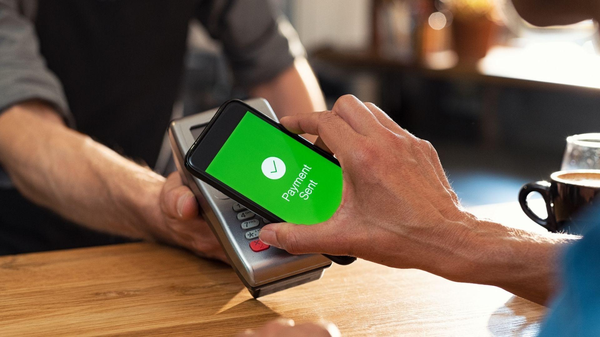 NFC permite pagamento por aproximação (Foto: Shutterstock)