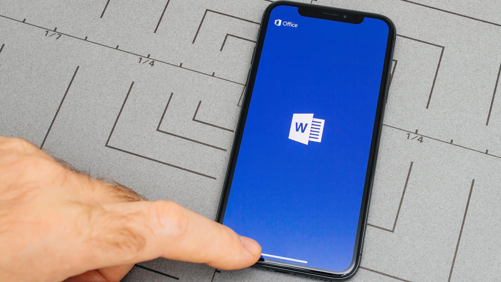 Versão do Microsoft Word para celular é mais simples (Foto: Shutterstock/Hadrian)