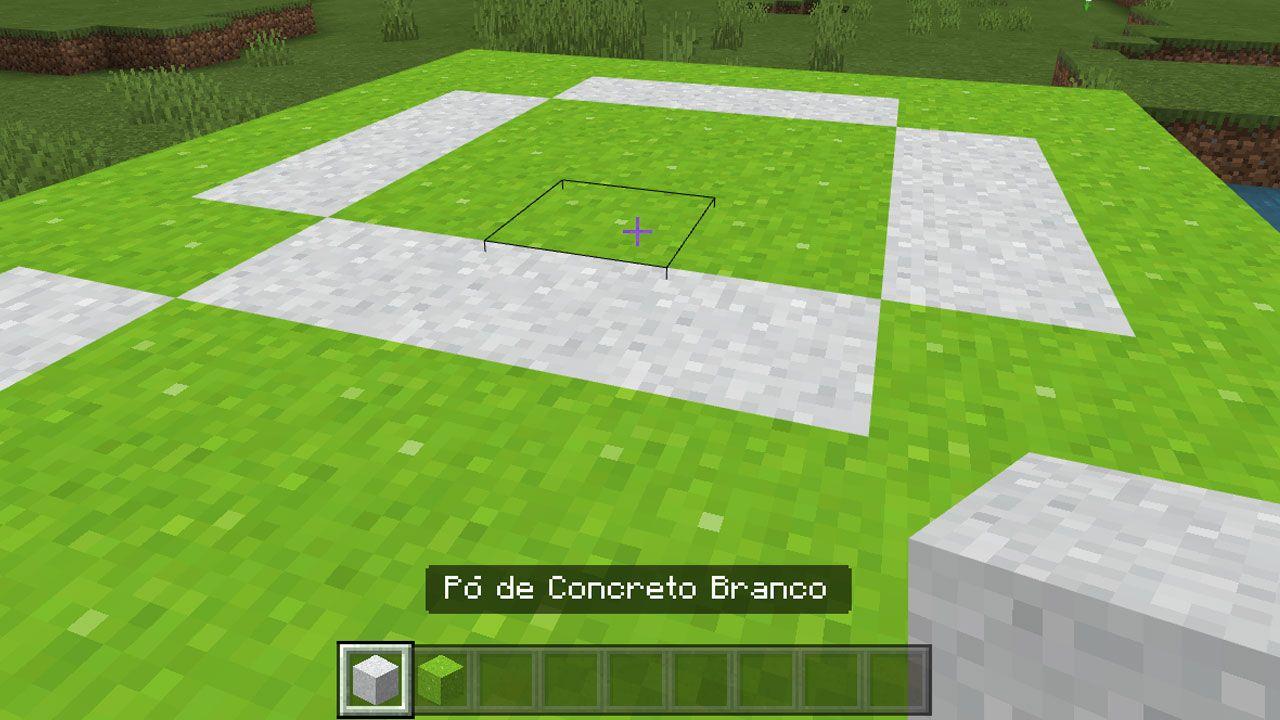 Coloque os blocos de pó de concreto em seu mundo de Minecraft para o próximo passo (Reprodução: Redação Zoom)