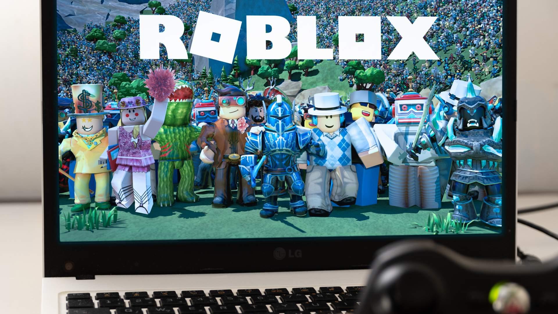 Criado para incentivar a criatividade e o surgimento de comunidades online, Roblox está disponível para diversas plataformas (Fonte: Shutterstock/Miguel Lagoa)