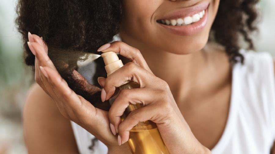 Confira como hidratar o cabelo corretamente (Imagem: Reprodução/Shutterstock)
